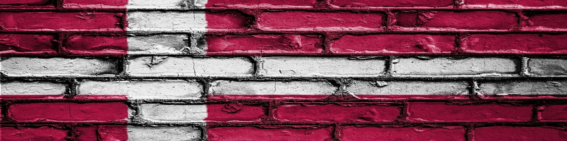 Dänemarkflagge auf Ziegelsteinen